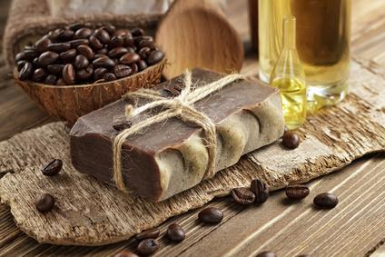 kaffeeseife selber machen naturseife mit kaffee naturseife und kosmetik selber machen. Black Bedroom Furniture Sets. Home Design Ideas