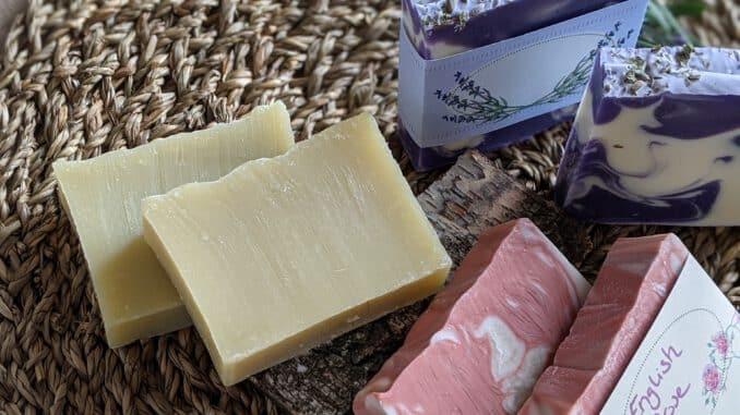 Mandelmilch in Seife