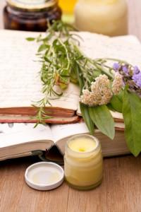 Heilpflanzen, Bücher und Heilsalben